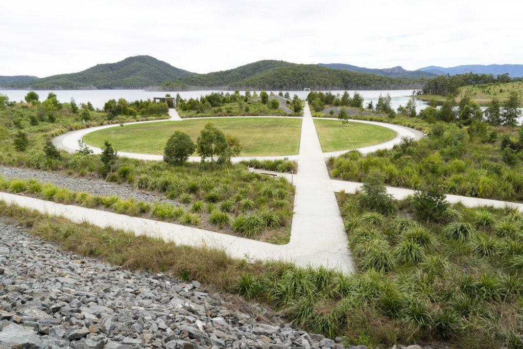 Park beside the Hinze Dam