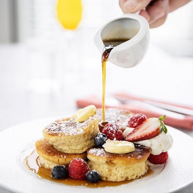 Souffle pancakes at Nineteen at The Star